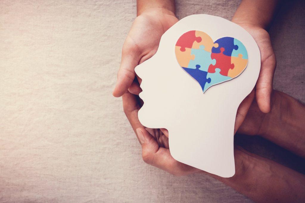 puzzle jigsaw heart on brain